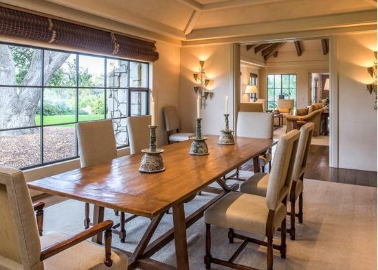 Mediterranean dining room 3