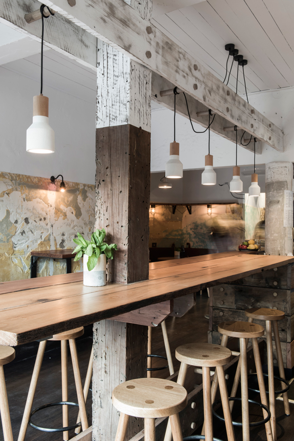 Rustic Design Ideas For The Perfect Dining Setting 2