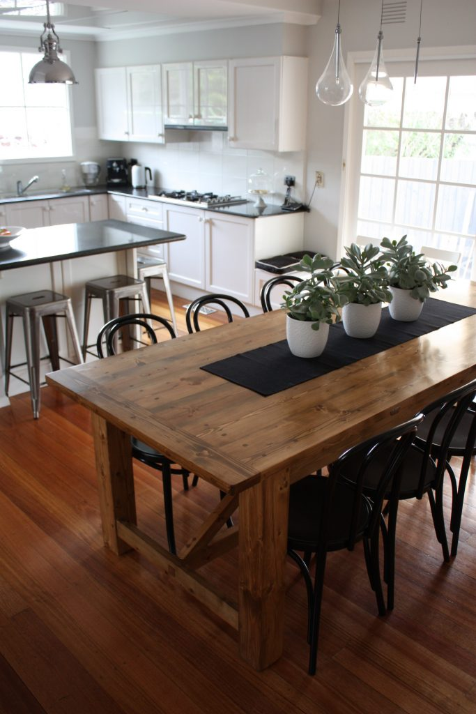Rustic Design Ideas For The Perfect Dining Setting